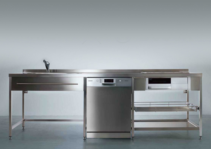 ekreaのステンレスキッチンにBOSHの食洗機をビルトイン。